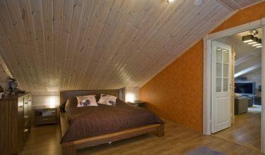 Finské sruby KONTIO - ložnice v podkroví