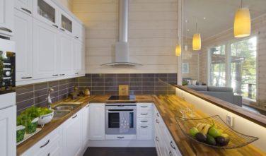 Srubové chaty KONTIO model Bella kuchyňský kout detail