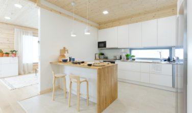 Srubové domy KONTIO Harunire kuchyň