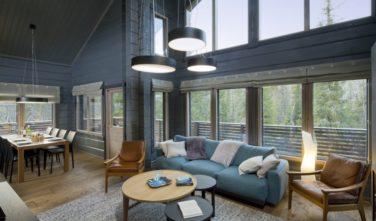 Obývací pokoj ve srubovém domě KONTIO