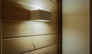 Srubový dům Kontio detail osvětlení