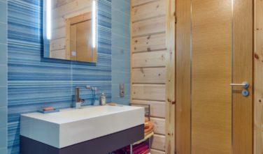 Srubový dům KONTIO koupelna