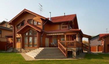 Luxusní srubový dům - dřevostavba z masivu Malva exteriér