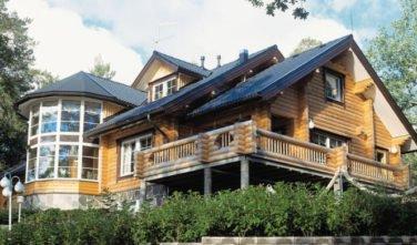 Luxusní srubový dům - dřevostavba z masivu Taxus exteriér
