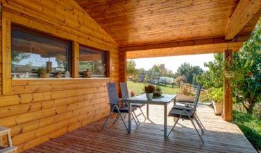 Dřevostavby Kontio bungalov na Moravě exteriér, terasa