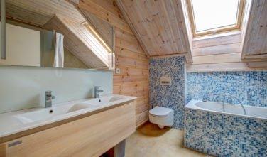 Dřevostavby Kontio srub na Šumavě koupelna