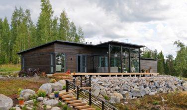 Dřevostavby Kontio Glasshouse 150 rodinný dům exteriér
