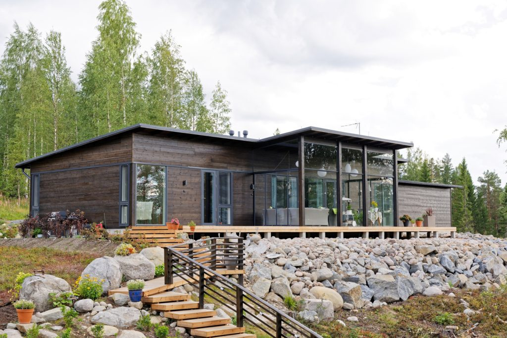 Dřevostavby Kontio Glasshouse 150 exteriér 1