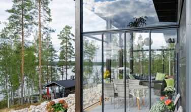 Dřevostavby Kontio Glasshouse 150 zimní zahrada, terasa, exteriér