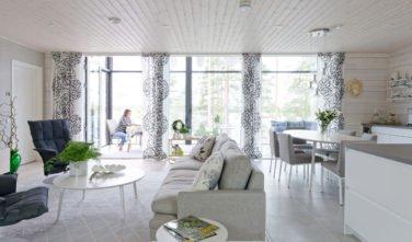 Dřevostavby Kontio Glasshouse 150 obývací pokoj