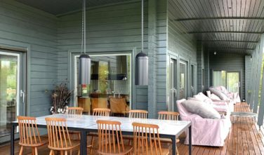 Dřevostavby Kontio bungalovy Hogsara terasaj