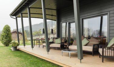 Dřevostavby Kontio bungalovy Hogsara terasa