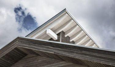 Dřevostavby Kontio rodinný dům SmartLog detail střechy