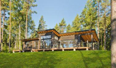 Dřevostavby Kontio moderní bungalov v přírodě