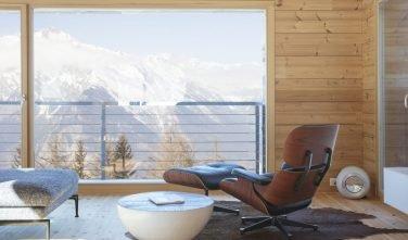Dřevostavby KONTIO rodinný dům ve Valais výhled z obývacího pokoje