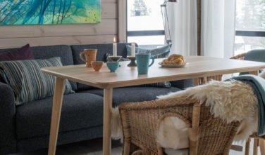 Dřevostavby KONTIO hoská chata v Norsku - obývací pokoj