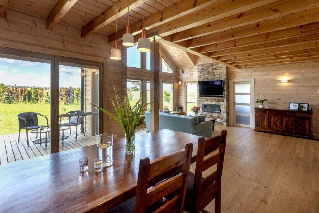 Dřevostavby KONTIO - rodinný dům Iso-Kajastus - interier - jidelna 1