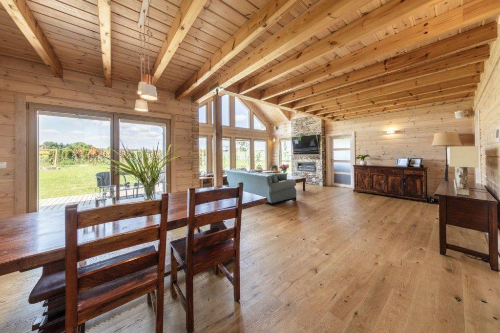 Dřevostavby KONTIO - rodinný dům Iso-Kajastus - interier - jidelna 2
