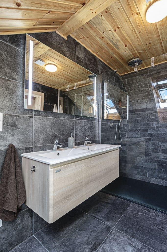 Dřevostavby KONTIO - rodinný dům Iso-Kajastus - interier - koupelna 2