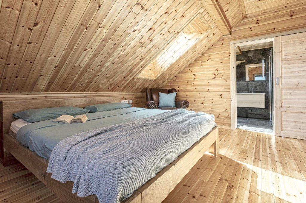 Dřevostavby KONTIO - rodinný dům Iso-Kajastus - interier - ložnice