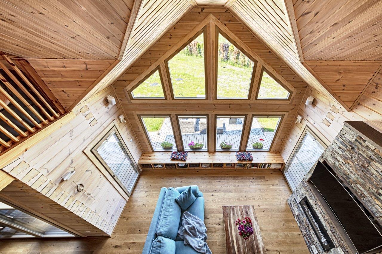 Dřevostavby KONTIO - rodinný dům Iso-Kajastus - interier - průčelí